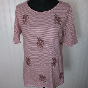 LOFT Outlet embroidered floral tee size Medium